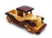 Picture of Miniatura caminhao antigo madeira